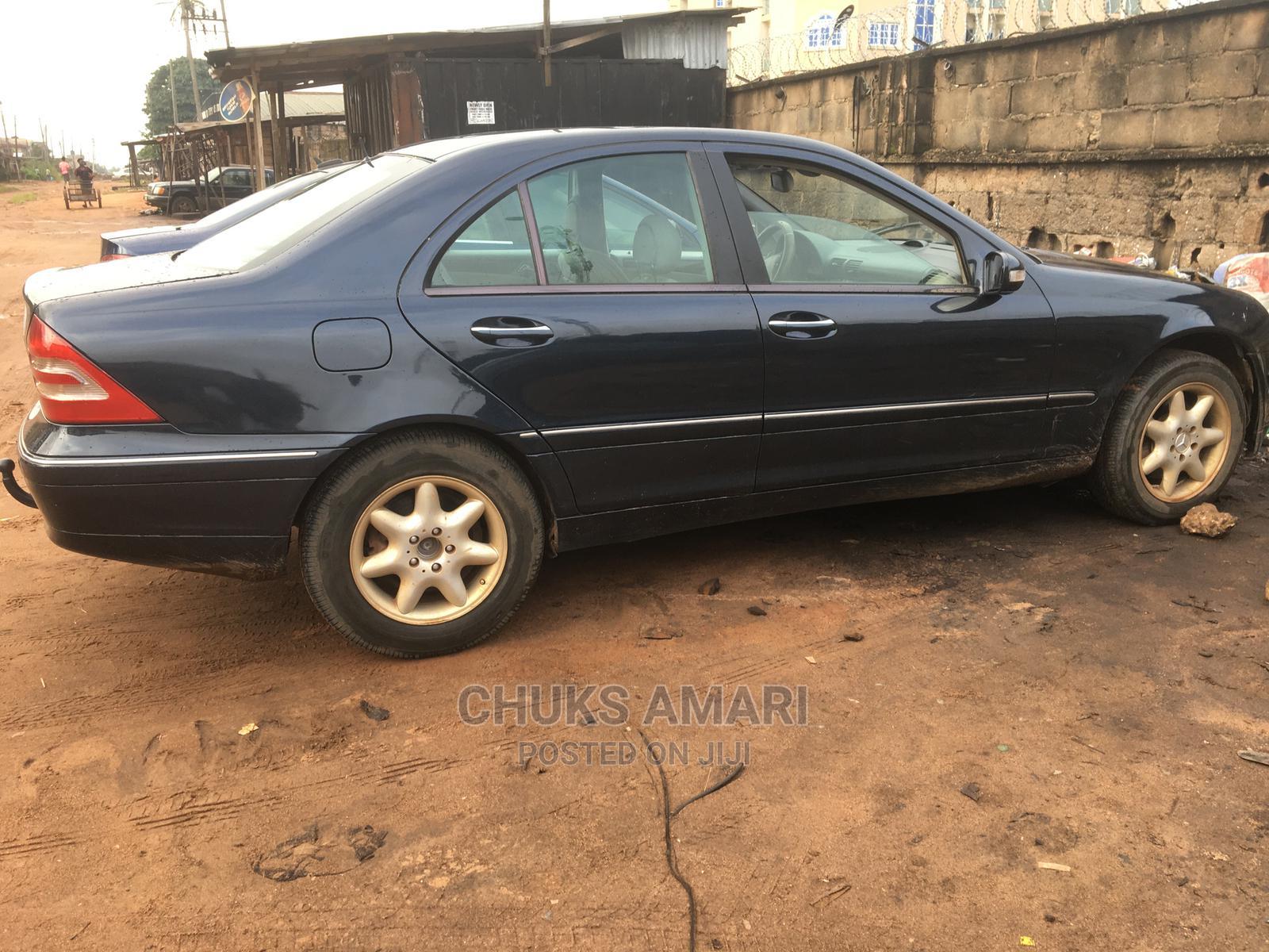 Archive: Mercedes-Benz C240 2003 Blue