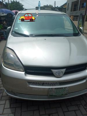 Toyota Sienna 2005 Silver | Cars for sale in Lagos State, Lagos Island (Eko)