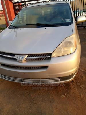 Toyota Sienna 2005 XLE Limited AWD Silver | Cars for sale in Lagos State, Abule Egba