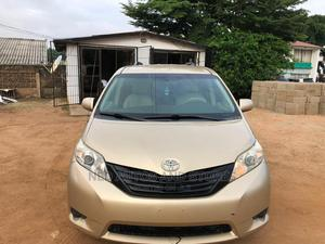Toyota Sienna 2011 XLE 7 Passenger Gold | Cars for sale in Lagos State, Yaba