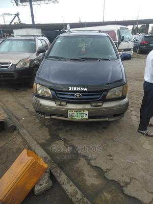 Toyota Sienna 1999 LE 4dr Blue | Cars for sale in Lagos State, Lagos Island (Eko)