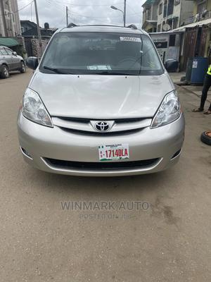 Toyota Sienna 2009 LE Silver   Cars for sale in Lagos State, Oshodi