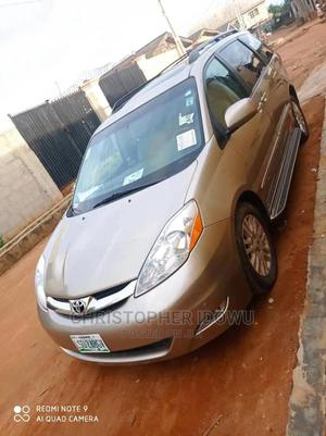 Toyota Sienna 2007 XLE Limited 4WD Gold | Cars for sale in Lagos State, Ojo