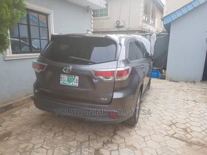 Toyota Highlander 2017 XLE 4x4 V6 (3.5L 6cyl 8A) Green   Cars for sale in Lagos State, Ifako-Ijaiye