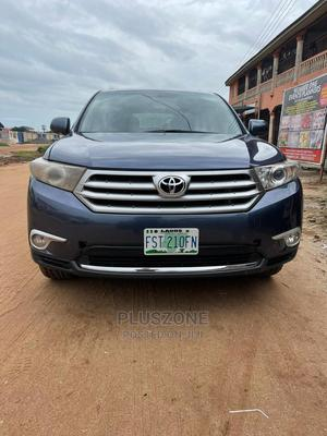 Toyota Highlander 2013 Limited 3.5l 4WD Blue | Cars for sale in Lagos State, Isolo