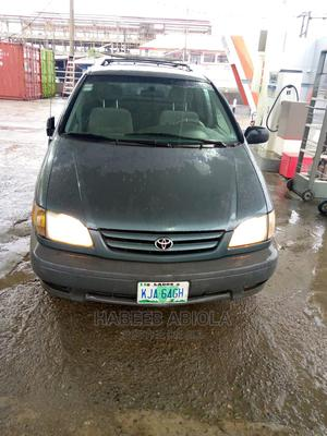 Toyota Sienna 2002 CE Blue   Cars for sale in Lagos State, Ajah