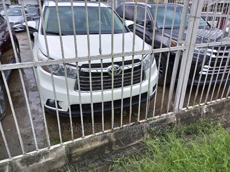 Toyota Highlander 2015 White | Cars for sale in Ogudu, Lagos State, Nigeria
