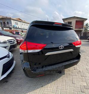 Toyota Sienna 2011 XLE 7 Passenger Black | Cars for sale in Lagos State, Surulere
