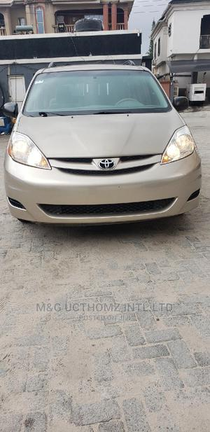 Toyota Sienna 2007 LE 4WD Gold | Cars for sale in Lagos State, Ajah