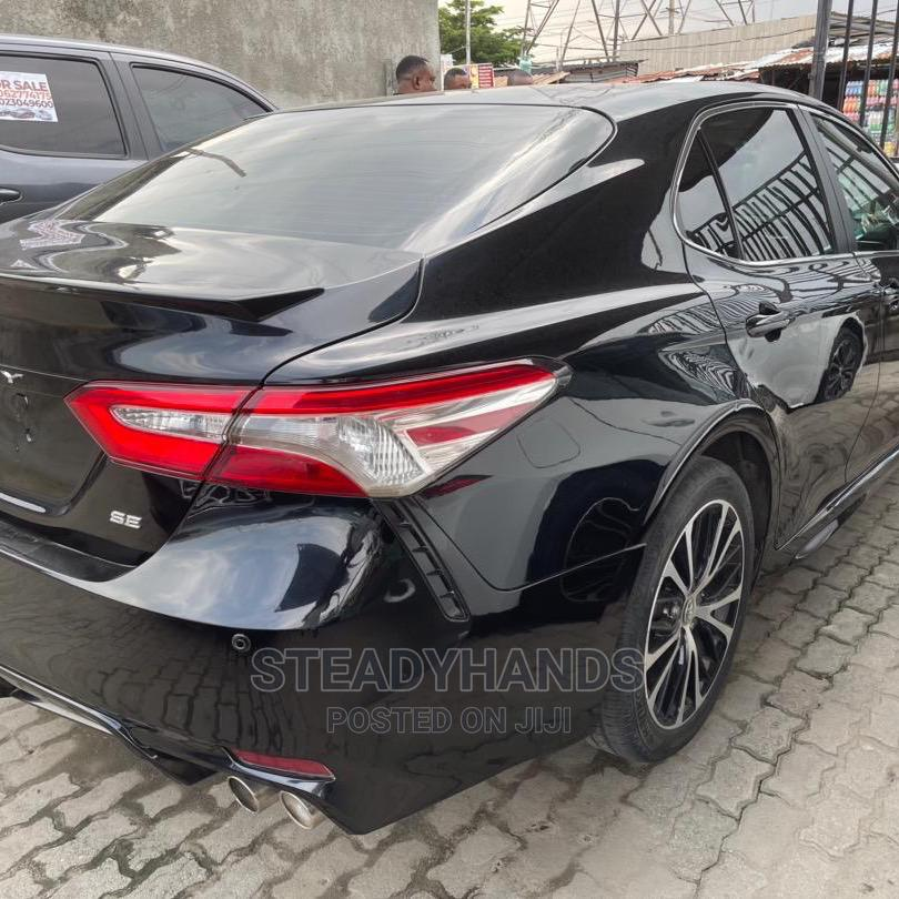 Toyota Camry 2018 SE FWD (2.5L 4cyl 8AM) Black   Cars for sale in Ajah, Lagos State, Nigeria