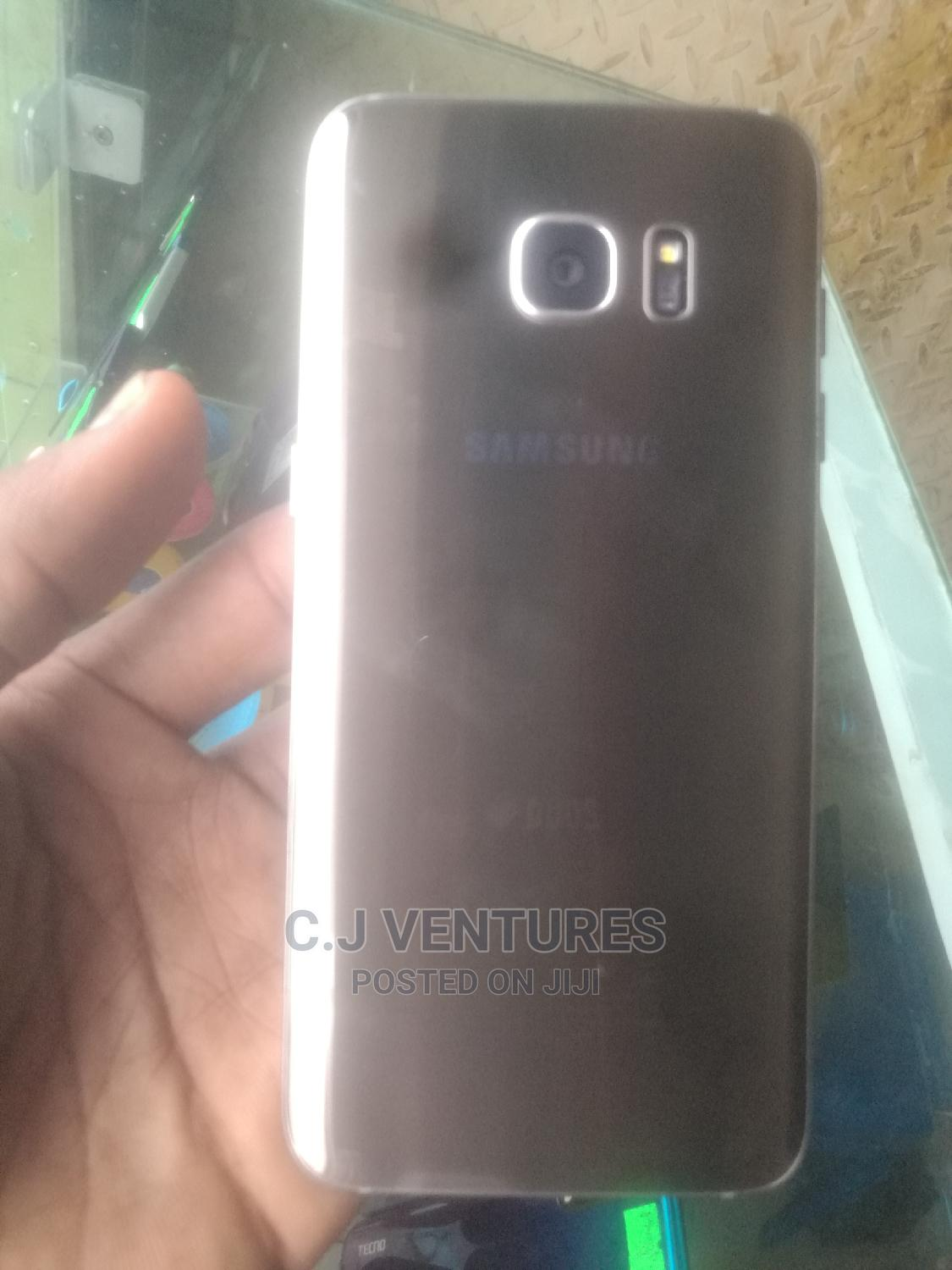 Samsung Galaxy S7 edge 32 GB Gold | Mobile Phones for sale in Ikeja, Lagos State, Nigeria
