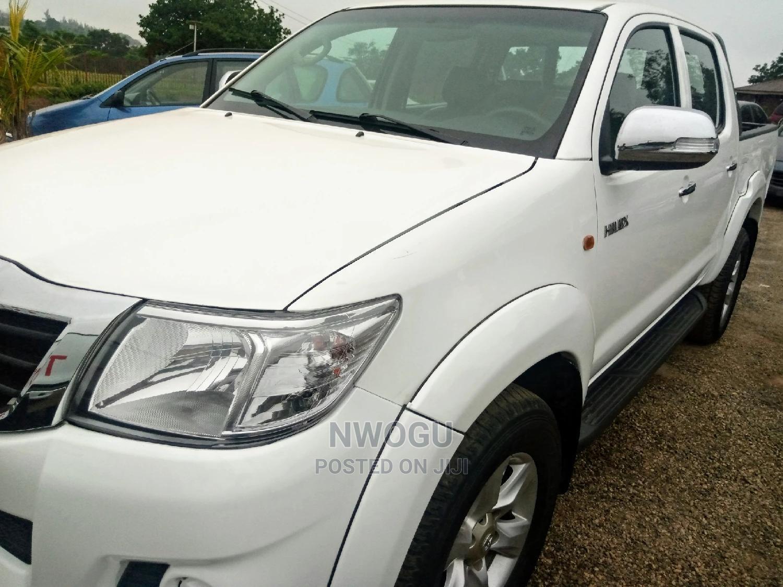 Toyota Hilux 2012 2.0 VVT-i SRX White