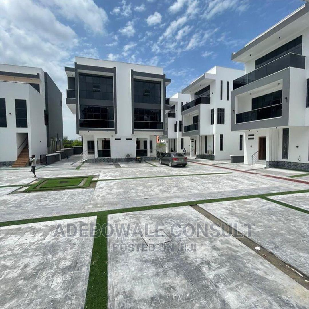 Furnished 5bdrm Duplex in Banana Island Road for Sale