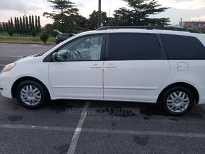 Toyota Sienna 2008 LE White | Cars for sale in Lagos State, Ajah