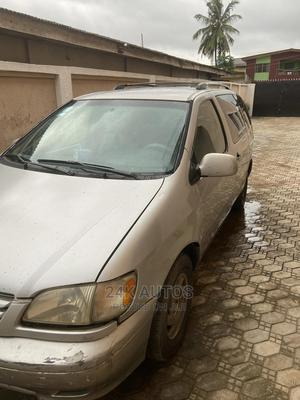 Toyota Sienna 2002 XLE Gray   Cars for sale in Lagos State, Victoria Island