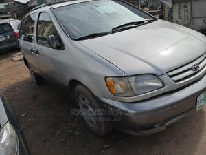 Toyota Sienna 2001 LE Gold | Cars for sale in Lagos State, Ikorodu
