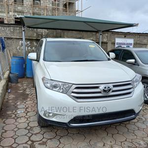 Toyota Highlander 2012 SE White | Cars for sale in Lagos State, Alimosho