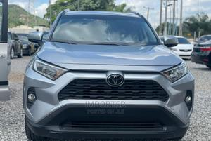 Toyota RAV4 2019 XLE Premium AWD Silver   Cars for sale in Abuja (FCT) State, Wuse 2