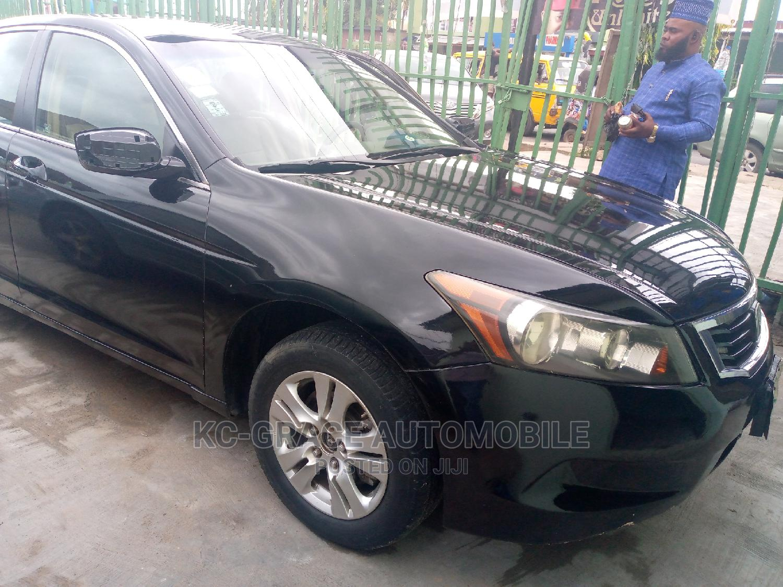 Archive: Honda Accord 2009 2.4 Black