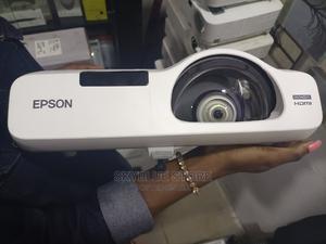 Powerlite 525W Wxga 3lcd Projector | TV & DVD Equipment for sale in Lagos State, Ikeja
