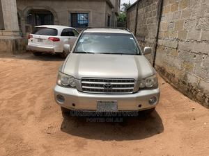 Toyota Highlander 2004 Limited V6 4x4 Gold | Cars for sale in Imo State, Orlu
