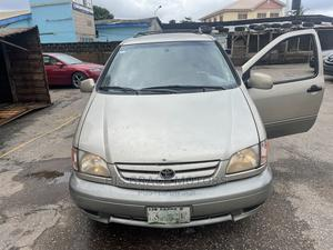 Toyota Sienna 2001 LE Gold | Cars for sale in Oyo State, Ibadan