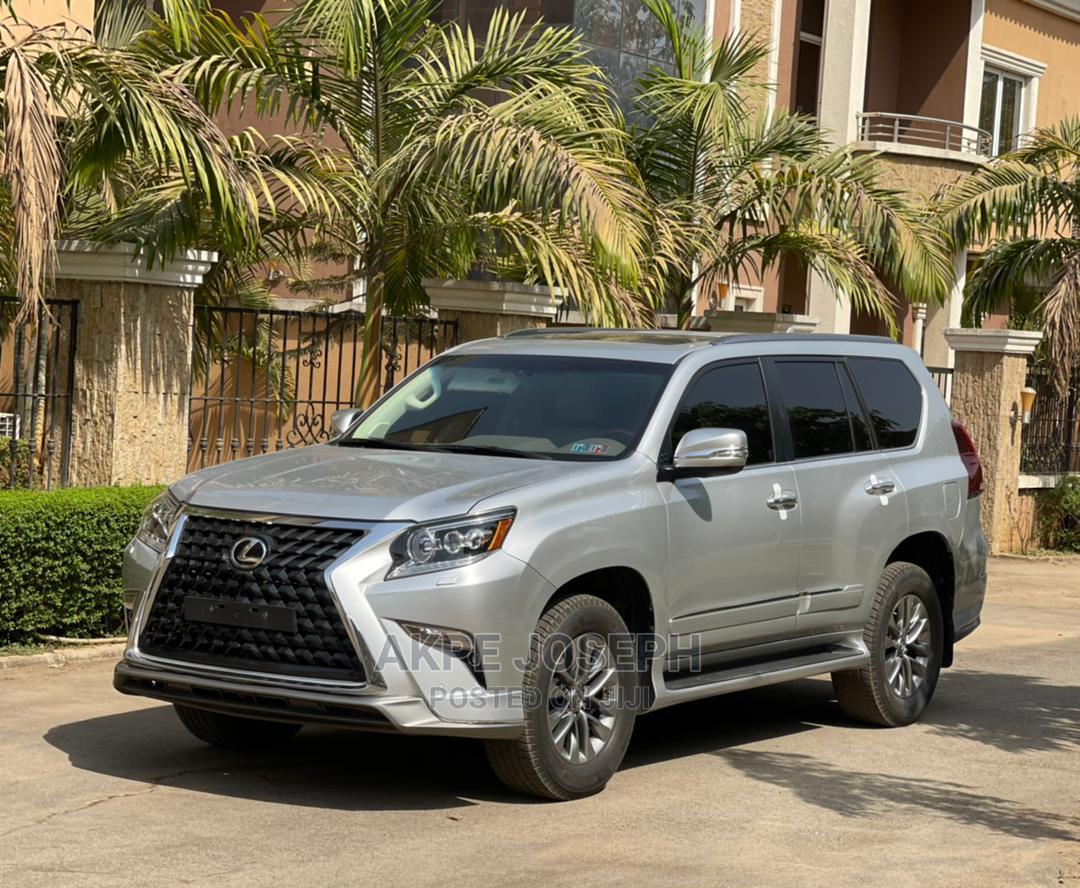 Archive: Lexus GX 2019 Silver