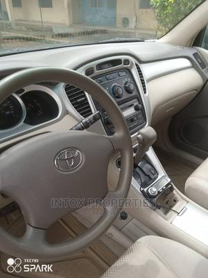 Toyota Highlander 2004 Limited V6 4x4 Gray | Cars for sale in Abuja (FCT) State, Central Business District