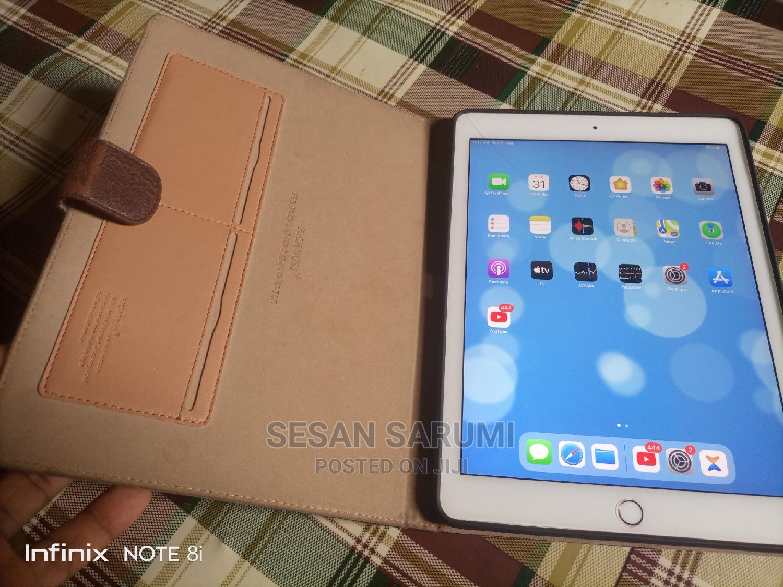 Archive: Apple iPad Pro 9.7 (2016) 32 GB Gray