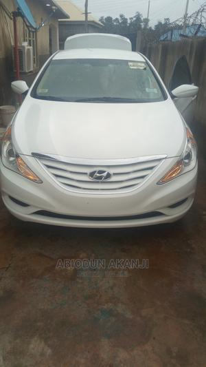 Hyundai Sonata 2013 White | Cars for sale in Abuja (FCT) State, Maitama