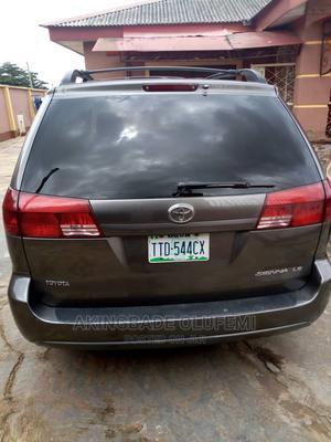 Toyota Sienna 2005 LE AWD Gray | Cars for sale in Ogun State, Ado-Odo/Ota