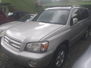 Toyota Highlander 2004 Limited V6 FWD Silver | Cars for sale in Lagos State, Agege