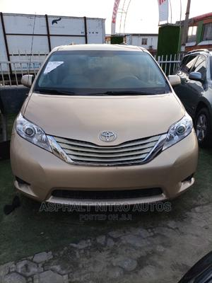 Toyota Sienna 2010 LE 7 Passenger Gold | Cars for sale in Lagos State, Ajah