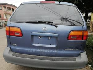 Toyota Sienna 1999 CE Blue   Cars for sale in Lagos State, Surulere