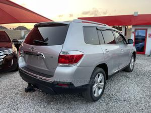 Toyota Highlander 2009 Limited 4x4 Silver | Cars for sale in Lagos State, Amuwo-Odofin