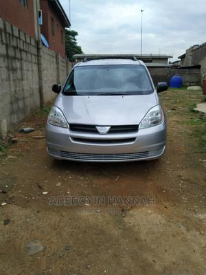 Toyota Sienna 2005 LE AWD Silver | Cars for sale in Lagos State, Magodo