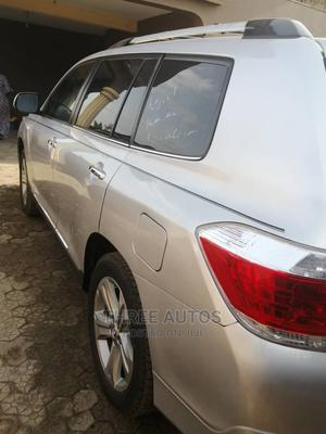 Toyota Highlander 2013 Limited 3.5L 2WD Silver   Cars for sale in Lagos State, Ojodu