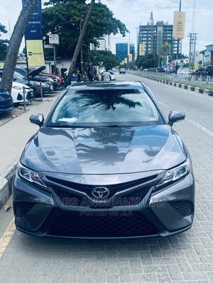 Toyota Camry 2018 SE FWD (2.5L 4cyl 8AM) Gray | Cars for sale in Lagos State, Victoria Island