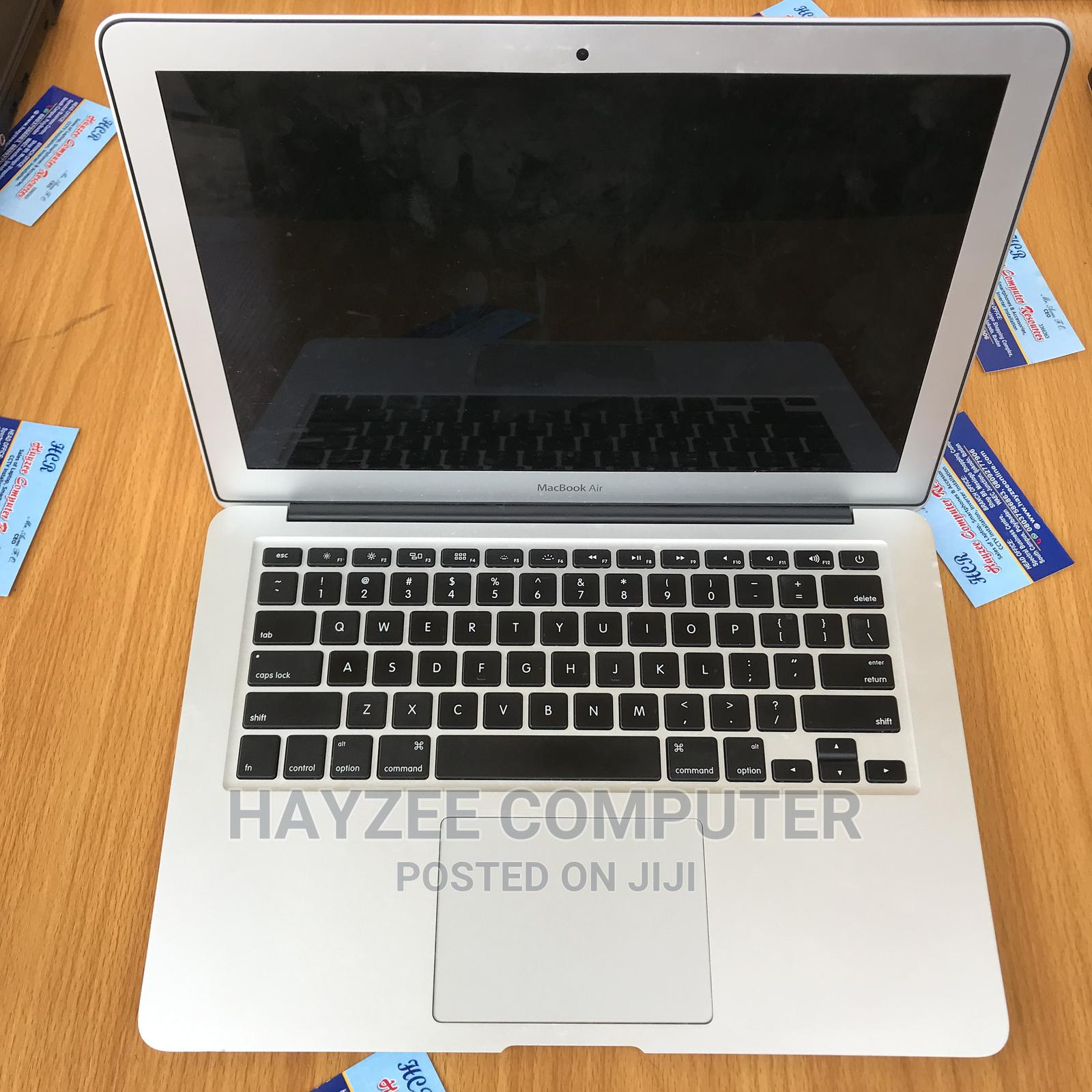 Laptop Apple MacBook Air 2012 4GB Intel Core I5 SSD 128GB