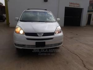 Toyota Sienna 2005 XLE AWD White   Cars for sale in Lagos State, Ojodu