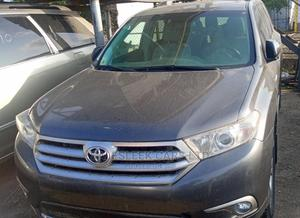 Toyota Highlander 2013 Limited 3.5l 4WD Gray | Cars for sale in Lagos State, Isolo