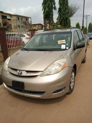 Toyota Sienna 2006 LE AWD Gold   Cars for sale in Lagos State, Abule Egba