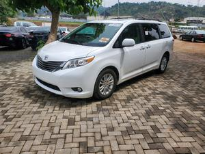 Toyota Sienna 2011 XLE 7 Passenger White | Cars for sale in Abuja (FCT) State, Gwarinpa