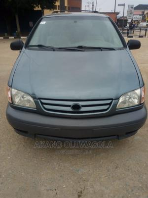 Toyota Sienna 2002 CE Blue   Cars for sale in Lagos State, Alimosho