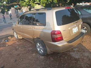 Toyota Highlander 2003 Limited V6 AWD Gold | Cars for sale in Lagos State, Ikeja