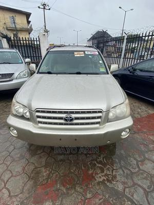 Toyota Highlander 2003 Gold   Cars for sale in Lagos State, Amuwo-Odofin