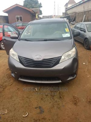 Toyota Sienna 2011 LE 8 Passenger Gray | Cars for sale in Lagos State, Abule Egba