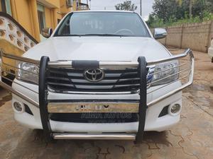 Toyota Hilux 2014 SR5 4x4 White | Cars for sale in Lagos State, Ikorodu