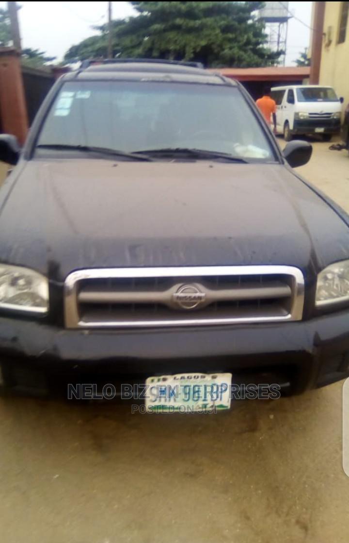 Nissan Pathfinder 2002 Black