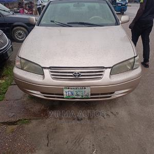 Toyota Camry 1999 Automatic Gold | Cars for sale in Delta State, Warri